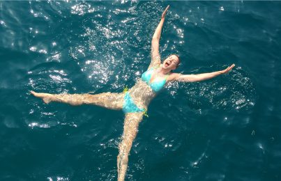 Renée Rouleau swimming